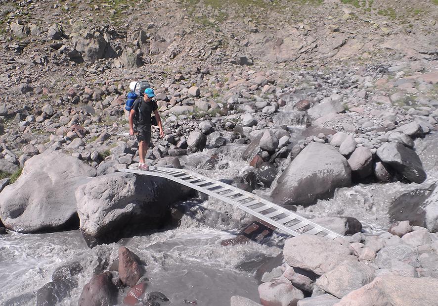 W drodze na lodowiec Gergeti