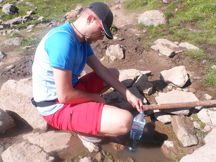 Za mostkiem można uzupełnić zapasy wody